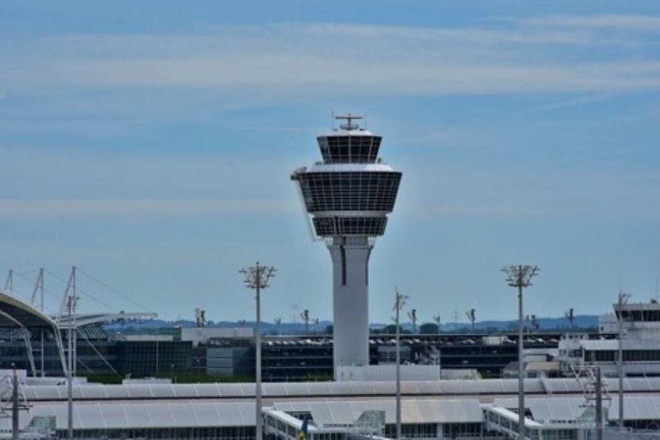 Tower am Flughafen München.