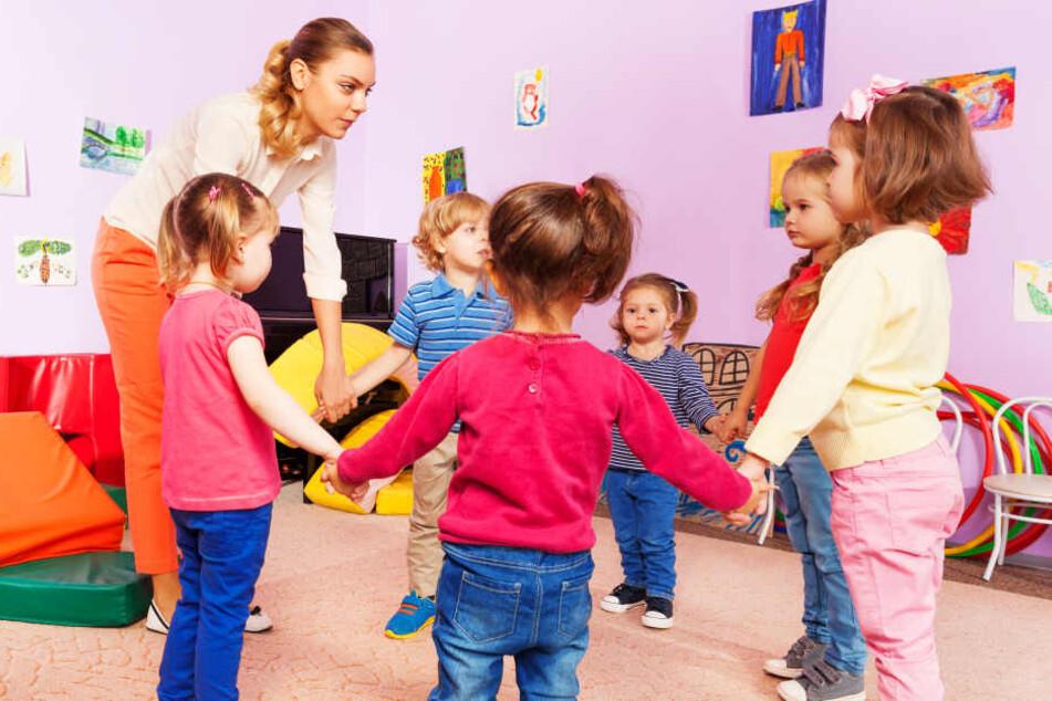 Wie teuer die Betreuung in einem Kindergarten ist, dürfen die Kommunen in NRW selbst festlegen (Symbolbild).