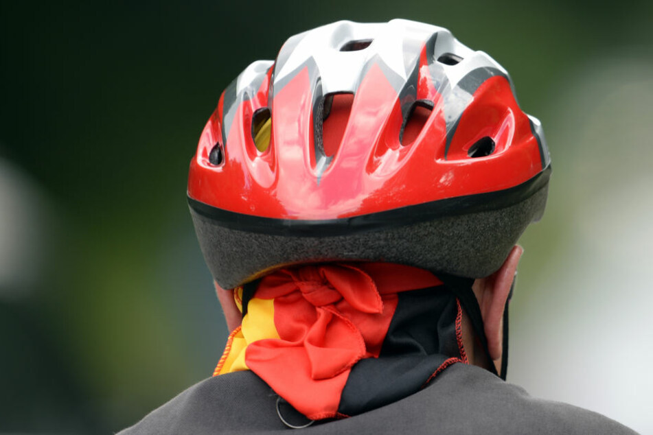 Fahrradfahrer stürzt und stirbt noch an der Unfallstelle