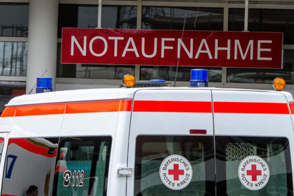 Der Verletze wurde in ein Krankenhaus eingeliefert (Symbolfoto).