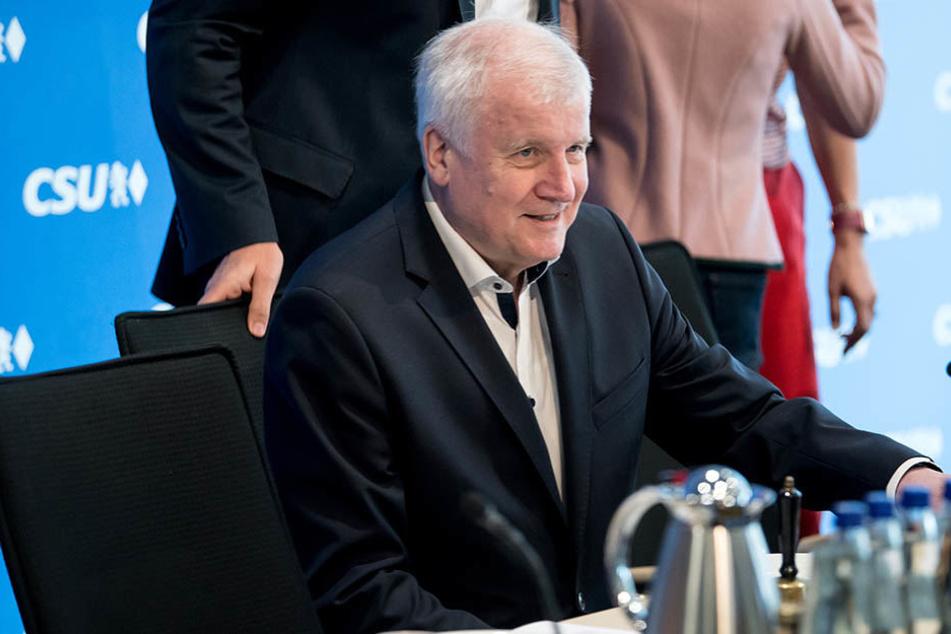 Das war's! Seehofer will Parteivorsitz und Ministeramt abgeben