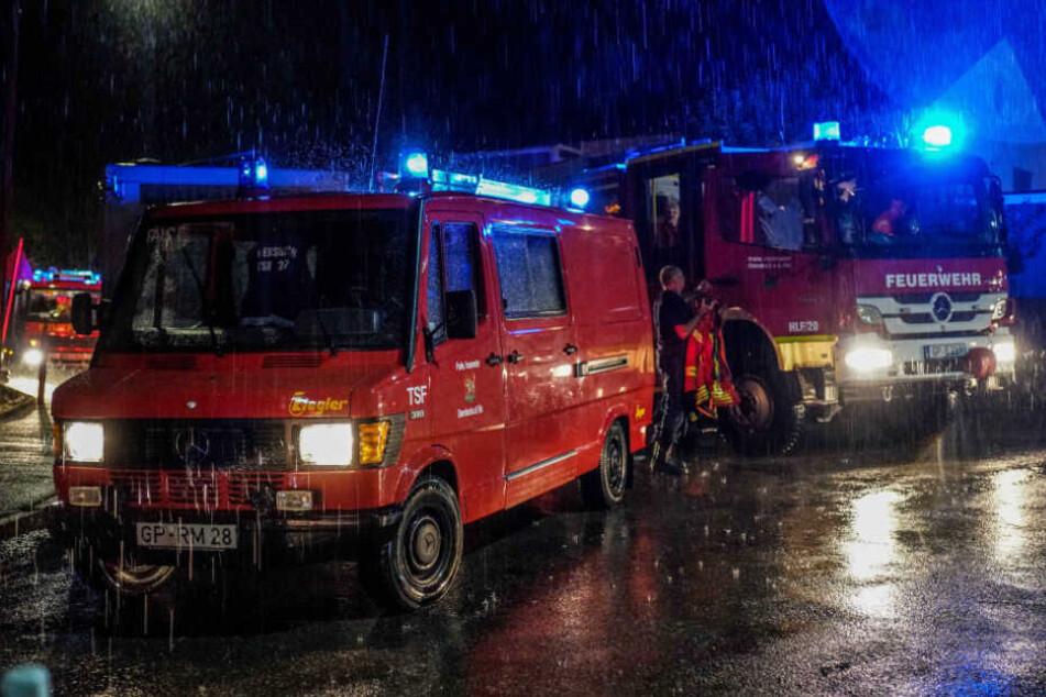 Gewitter und Starkregen: Unwetter hielten Polizei und Feuerwehr auf Trab!