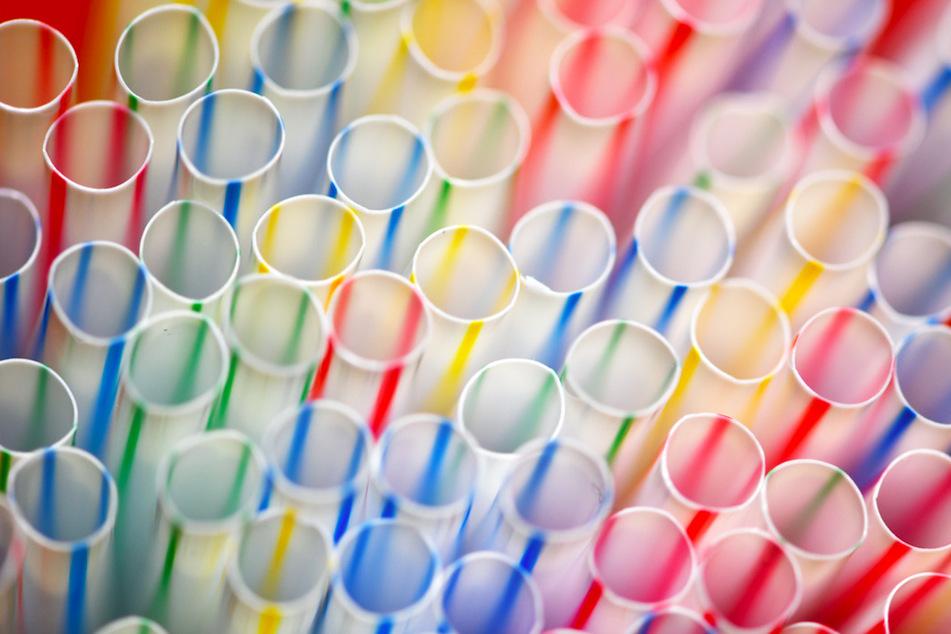 Trinkhalme aus Plastik sind nach der EU-Richtlinie ab Juli 2021 verboten.
