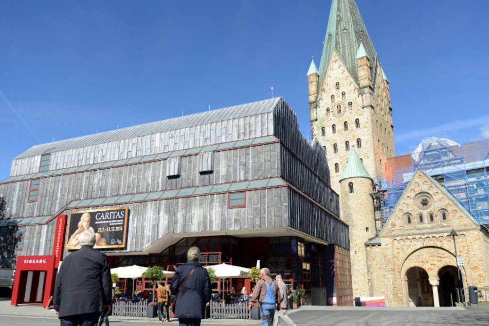 Auch bei Besuchern ist der Paderborner Dom eine beliebte Sehenswürdigkeit.