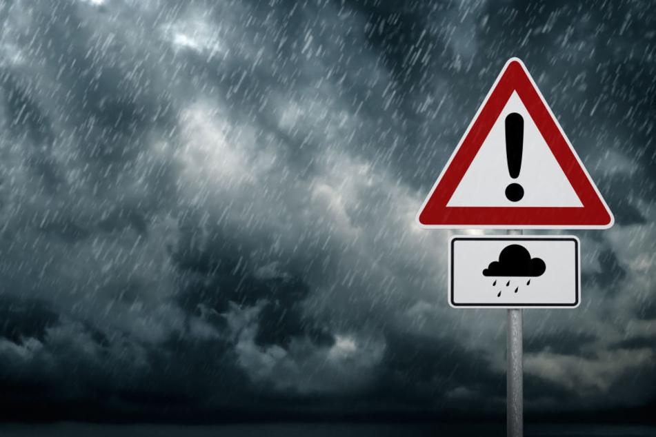 In der Nacht zum Mittwoch erwartet uns ein schweres Unwetter (Symbolbild).