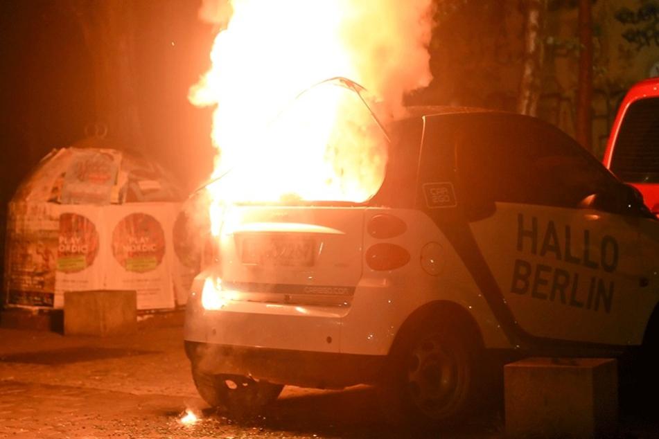 2014 brannte dieser Smart in Kreuzberg. Seitdem hat sich die Zahl der Brandstiftungen mehr als verdoppelt.