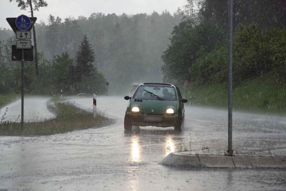 Starkregen wurde am Montag vielerorts zum Problem.
