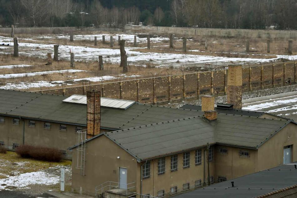 In den Gedenkstätten Ravensbrück und Sachsenhausen wird am Sonntag der Befreiung von KZ-Häftlingen gedacht.
