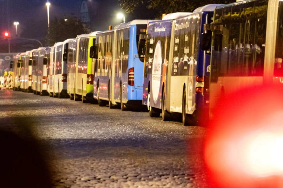 Schlichtung in Sicht? Busfahrer-Streik stellt Pendler auch heute vor Stress-Test