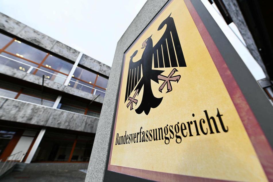 Das Bundesverfassungsgericht in Karlsruhe soll nun klären, ob Hessen ein Landesklimaschutzgesetz nach dem Pariser Abkommen verabschieden muss.