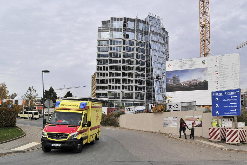 Chemnitz: Müssen infizierte Pfleger weiter arbeiten gehen?
