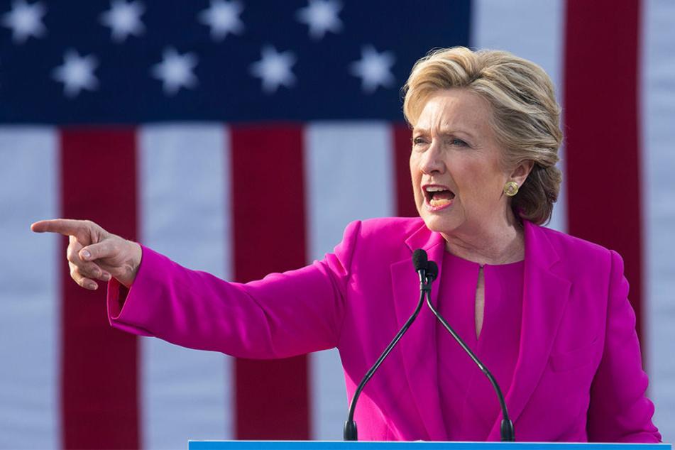 Bei der Gesamtzahl aller Stimmen liegt der 70-Jährige allerdings 2,8 Millionen hinter Konkurrentin Hillary Clinton.
