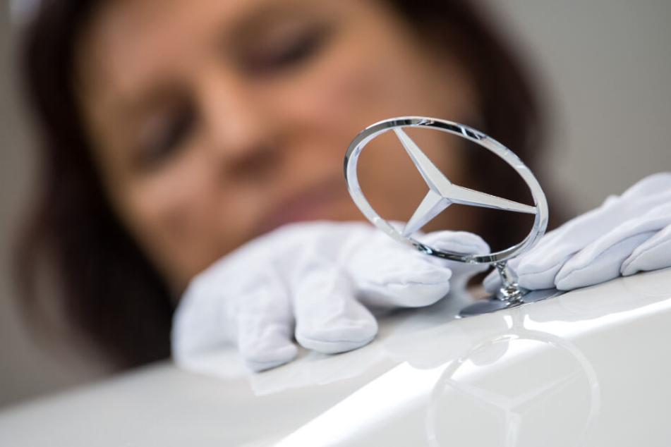 Bei Daimler haben die Arbeitnehmer Druck gemacht. Künftig sollen am Stammsitz in Stuttgart-Untertürkheim auch Batterien hergestellt werden. (Symbolbild)