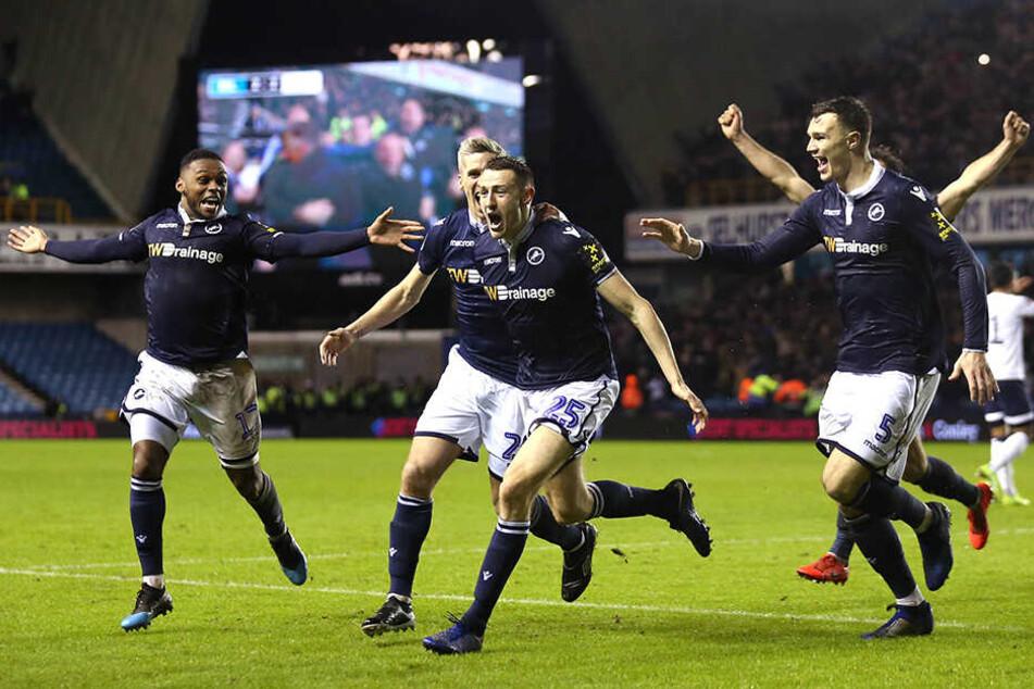 Pokalsensation perfekt: Millwall erzielte in der vierten Minute der Nachspielzeit das 3:2 gegen Everton.