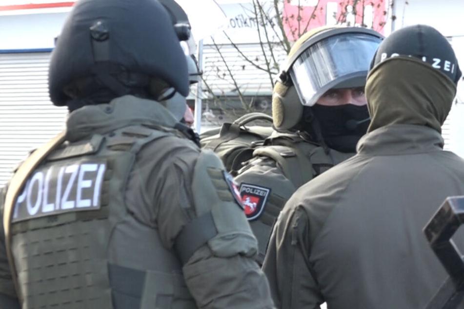 Die Einsatzkräfte konnten den Mann am Nachmittag festnehmen.