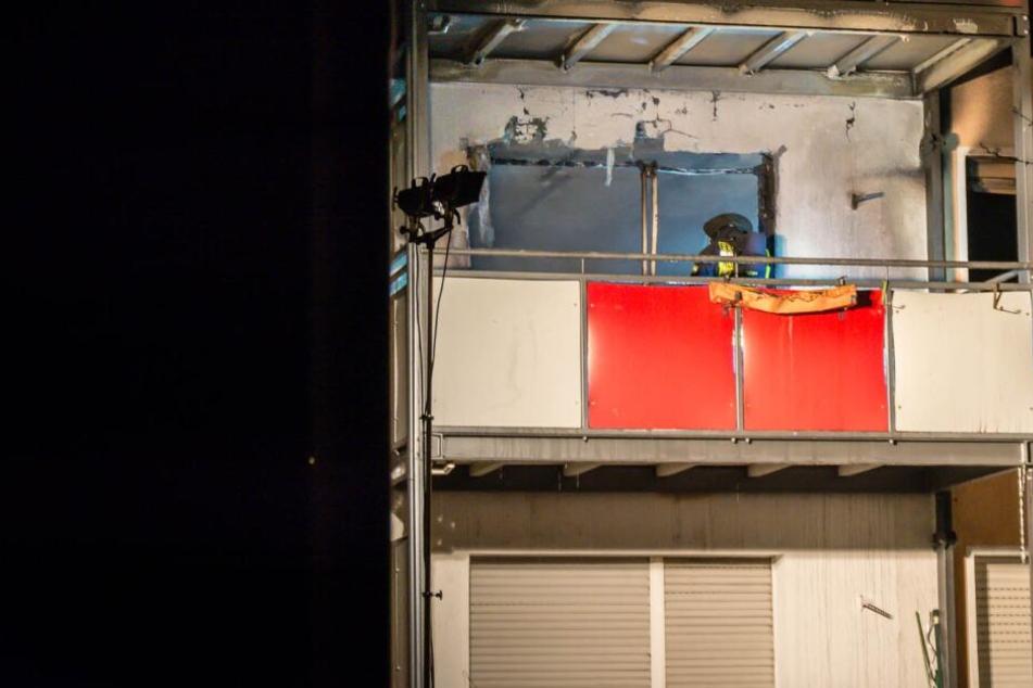 Aus Angst vor den Flammen: Mann springt aus Wohnung und stirbt