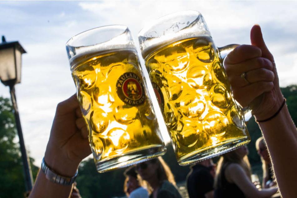 Besonders Biergärten sind bei diesem Wetter stärker besucht (Symbolbild)