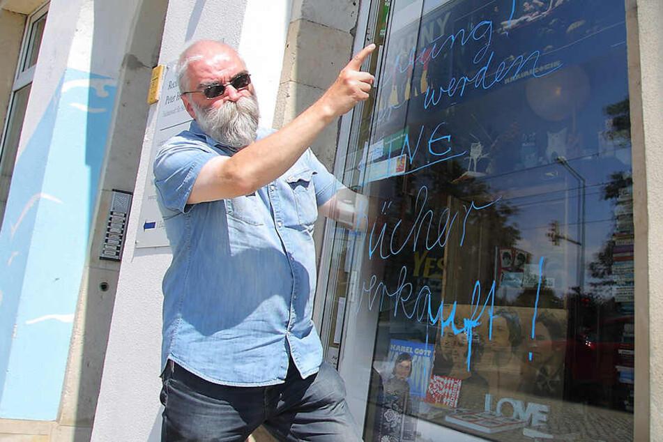 Schaufenster-Anschlag auf Buchhändler: Schmiererei am Buchladen