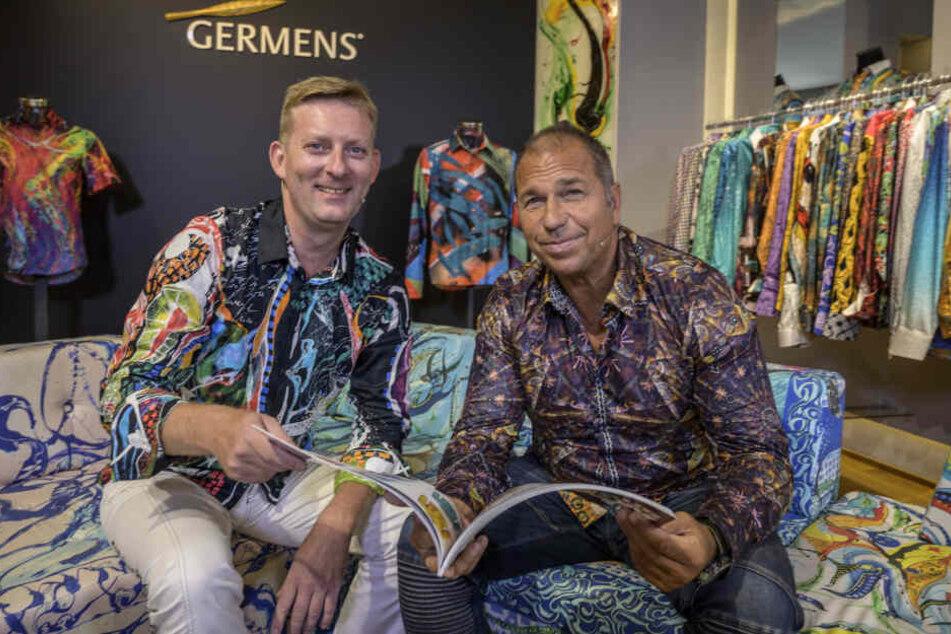 Kai Ebel (55, r.) traf in Chemnitz seinen Hemden-Designer René König (46).