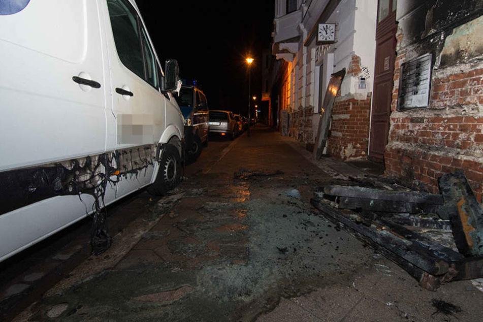In der Nacht zum Sonntag brannte ein Dixieklo und verursachte einen Schaden von rund 5000 Euro.