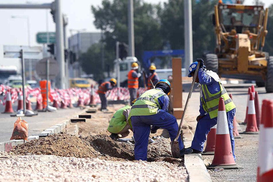 In Katar ist ein Mann bei Bauarbeiten für die Fußball-WM an einem Stadion ums Leben gekommen. (Symbol)