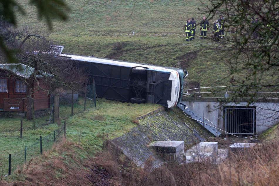Schweres Schulbus-Unglück! Zwei Kinder (†8) sterben bei Unfall