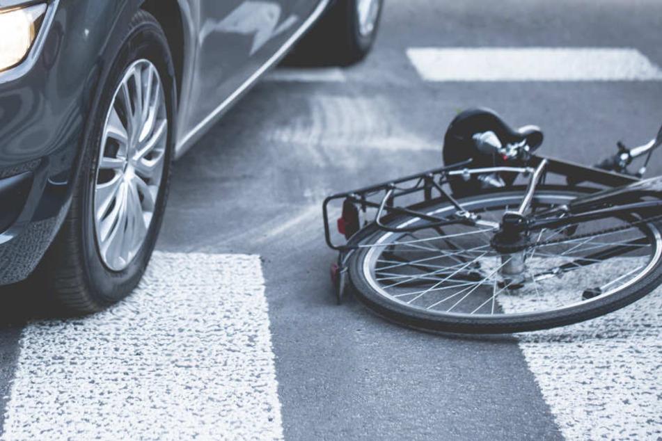 Eine 70 Jahre alte Frau wurde bei einem Unfall tödlich verletzt. (Symbolbild)