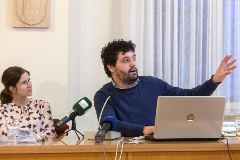 """Dr. Anja Zscheppang (37) und Soziologe Martin Otto (34) untersuchten, ob  """"Böhmischer Nebel"""" krank macht. Das Land registriert die Bürgerbeschwerden"""