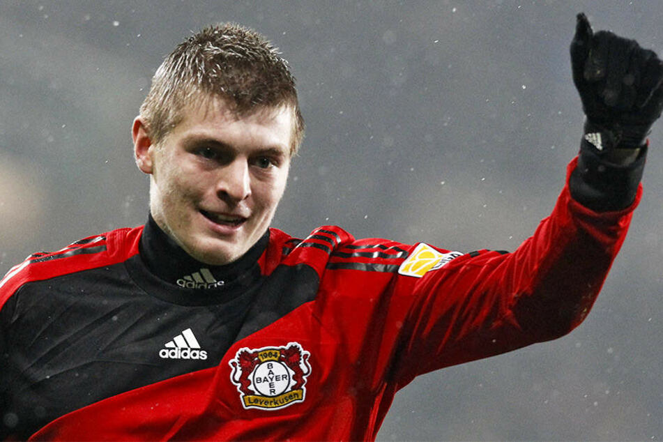 Toni Kroos spielte bei Bayer 04 Leverkusen eine überragende Saison, erzielte neun Tore und bereitete zwölf Treffer vor.