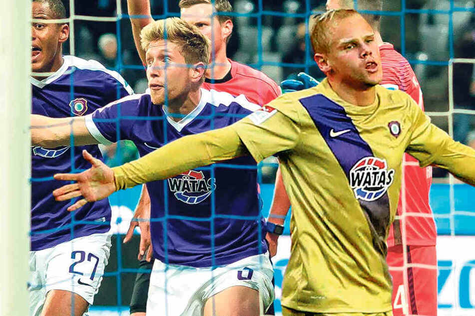 Sören Bertram könnte die ganze Welt umarmen. Drei der letzten vier Tore erzielte er.