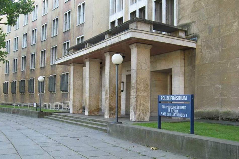Tempelhof Unbekannte brechen in Polizeipräsidium ein