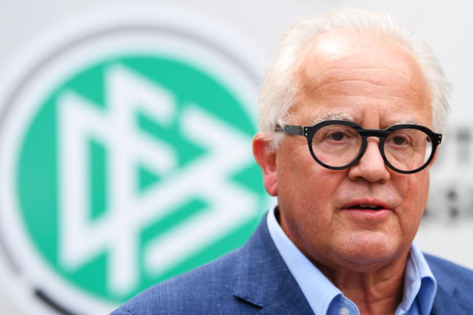 DFB-Boss Fritz Keller (63) hat sich mit den Präsidenten der Regional- und Landesverbände an die Politik gewandt.