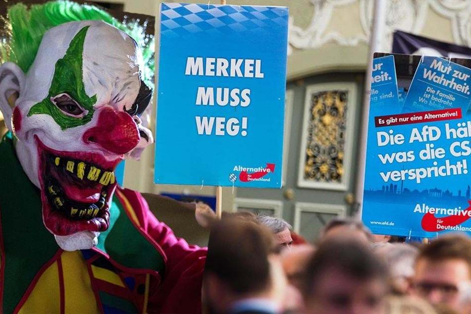 In Hechingen wurden AfD-Politiker an einem Wahlkampfstand von Clowns attackiert.