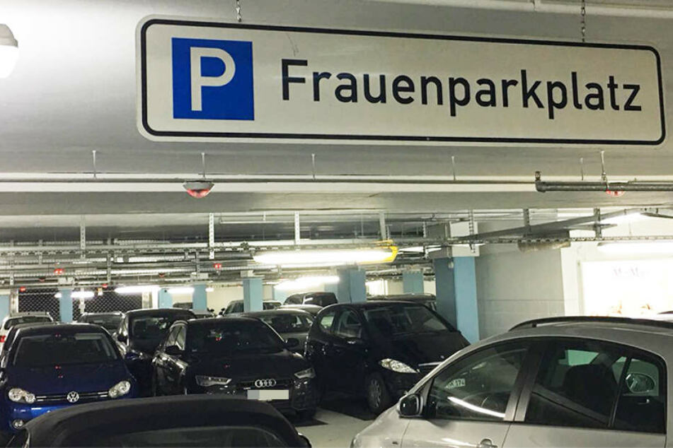Viele Männer nutzen im Parkhaus auch mal Frauenparkplätze.