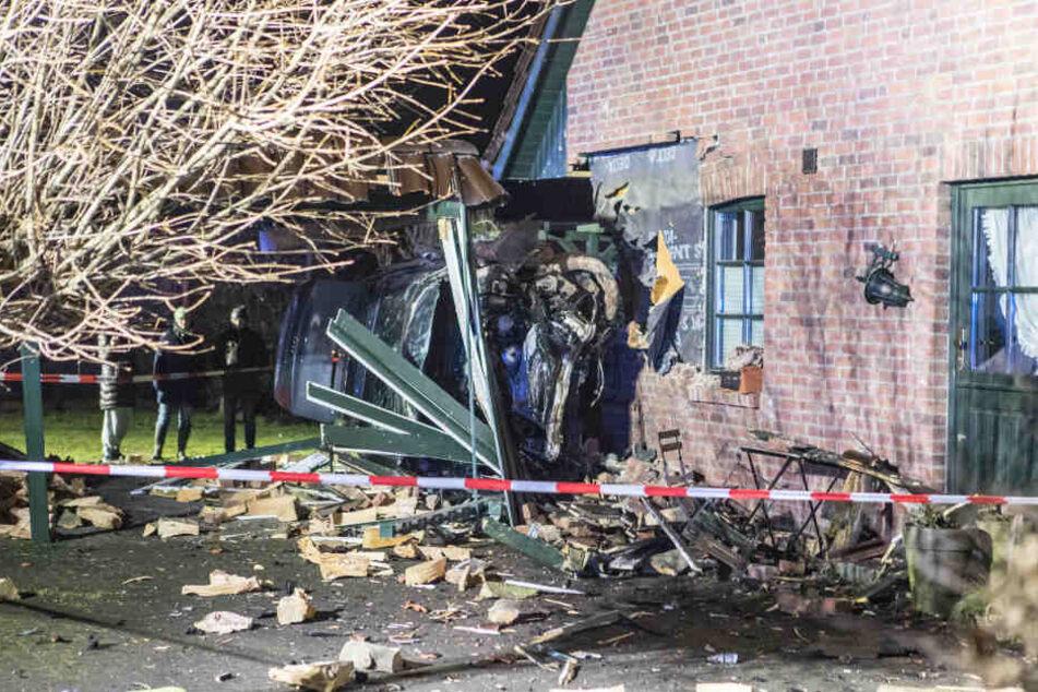 Zum Glück befand sich zum Unfallzeitpunkt niemand im Haus.