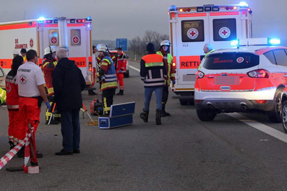 Drei Tote sind die traurige Bilanz eines Unfalls am Montagnachmittag in Dessau-Roßlau (Sachsen-Anhalt). (Symbolbild)