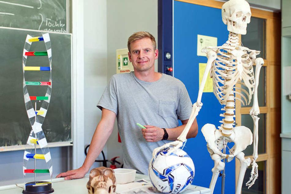 Der frühere Nationalspieler macht gerade sein Referendariat als Sport- und Bio-Lehrer.