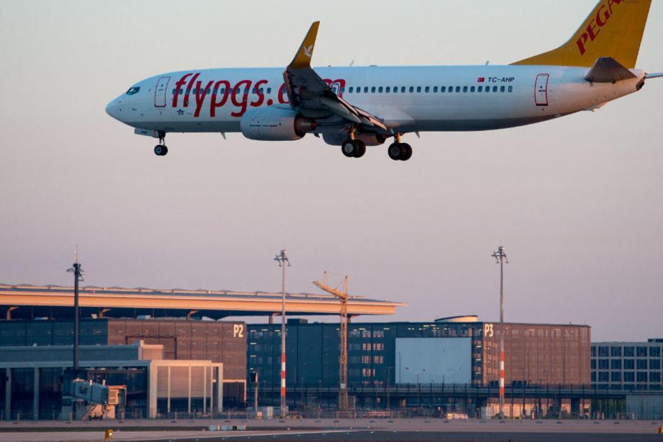 Technische Probleme Flugzeug aus Düsseldorf muss in Köln zwischenlanden