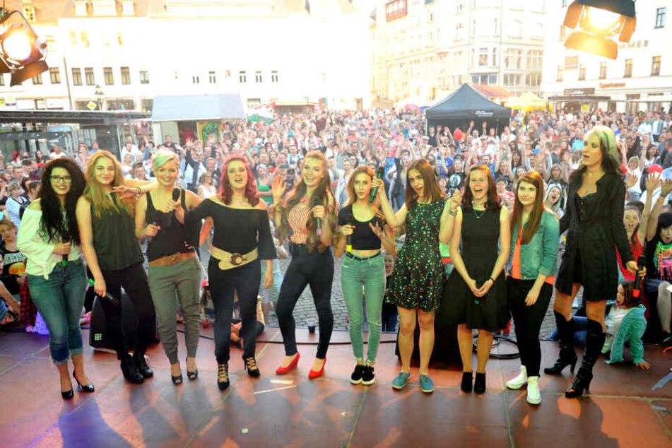 Auf die zehn Finalistinnen warten noch zwei weitere Live-Shows bis zum großen Finale im August.
