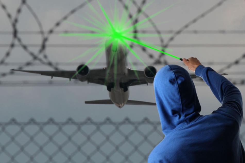 Unfassbar: Vom Boden aus wurde das Flugzeug mit einem Laser geblendet. (Symbolbild)