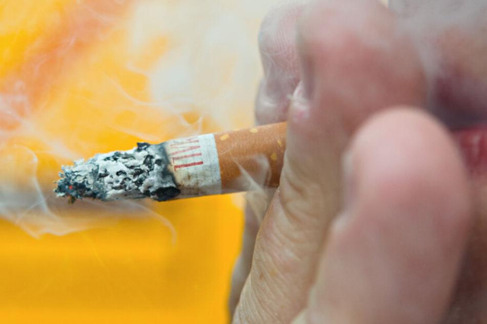 In Griechenland sollen Raucher bald hohe Geldstrafen bezahlen, wenn sie unter bestimmten Bedingungen zum Glimmstengel greifen.