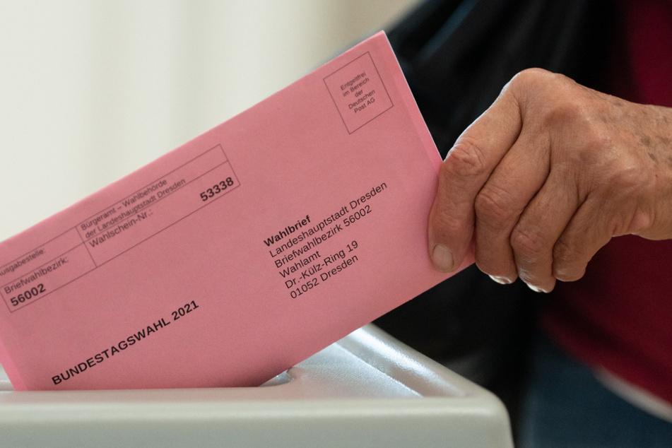 Einige Wahlscheine tragen Aufdrucke - das hat schon seine Richtigkeit.