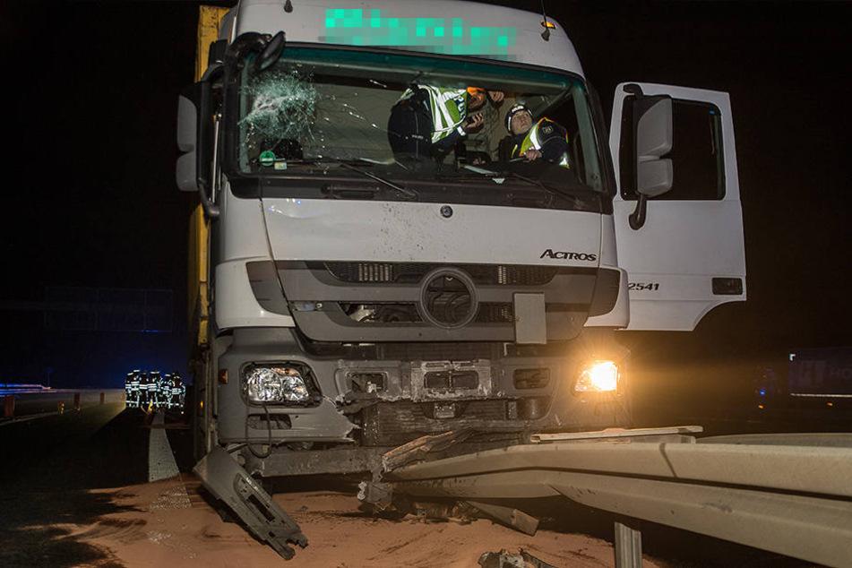 Der Truck kam erst nach rund 100 Metern zum Stehen.