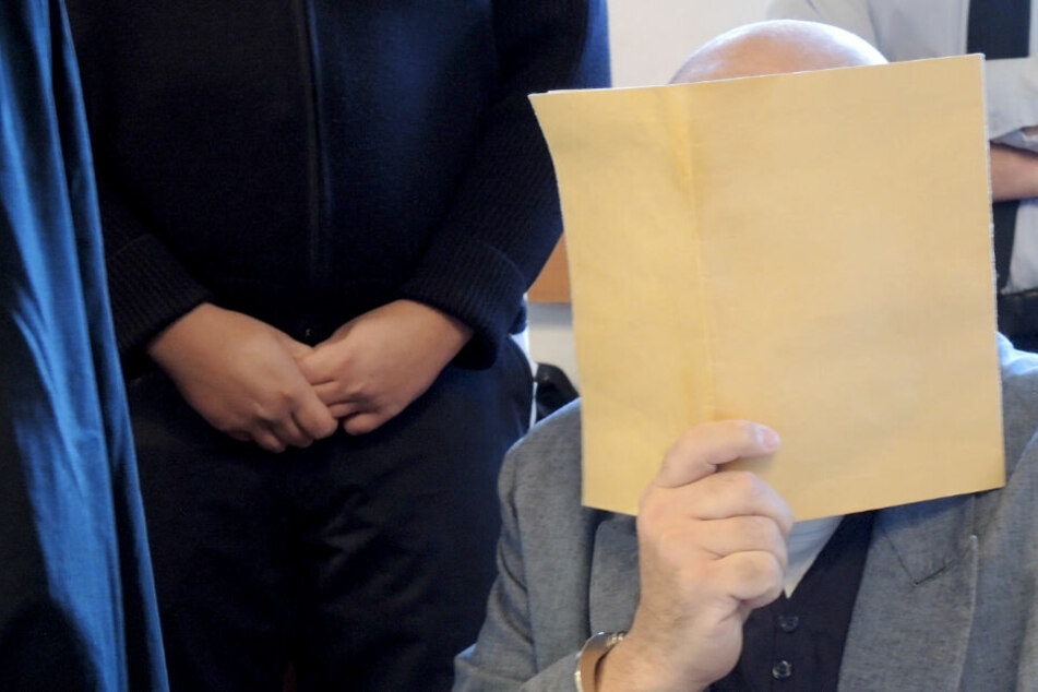 Höchststrafe im Dreifach-Mordprozess: Kommt der Vater je wieder frei?