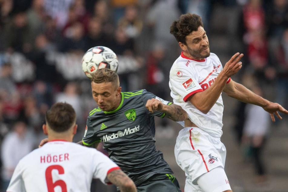 In den ersten 45 Minuten taten sich die Kölner um Kapitän Jonas Hector (r.) schwer gegen Ingolstadt.