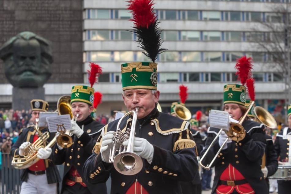 Mehr als 630 Uniformträger werden bei der Auftaktparade in Chemnitz erwartet.