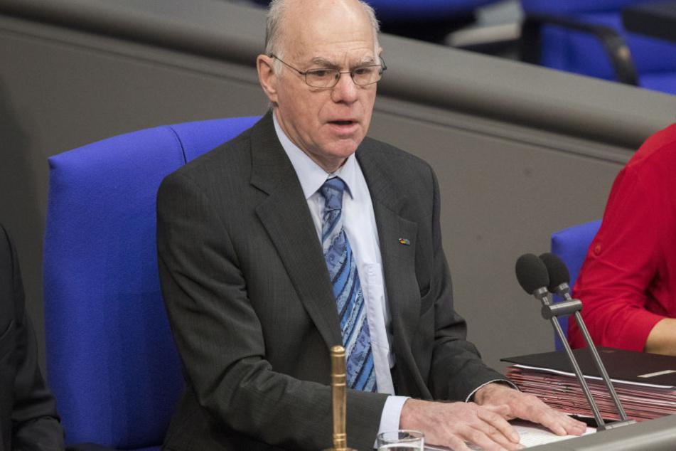 Norbert Lammert (68) hat eine ganz bestimmte Idee, die den Alterspräsidenten des Bundestags betrifft.