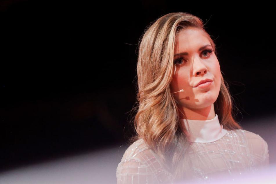 Ihre Nervosität legte sie ab, doch fehlerfrei war auch der zweite Auftritt von Victoria Swarovski nicht.