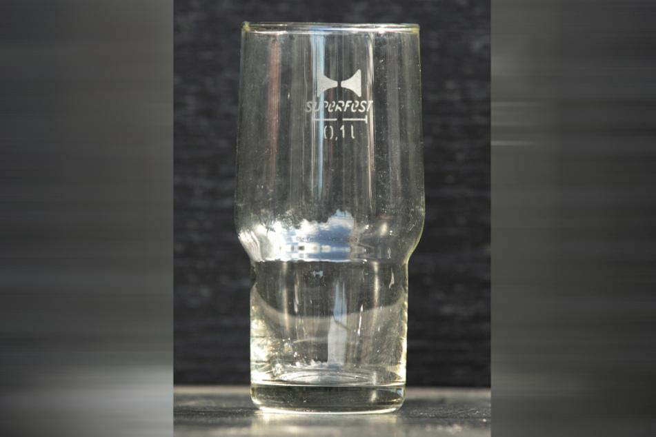 Da werden Erinnerungen wach. Diese bekannten Superfest-Gläser für Bier und Brause gab es von 0,1 bis 0,5 Liter.