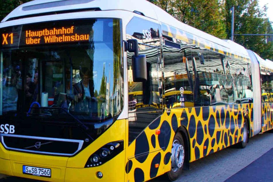Ab Montag startet die neue Schnellbuslinie X1 in Stuttgart: Sie soll für bessere Luft im Talkessel sorgen.